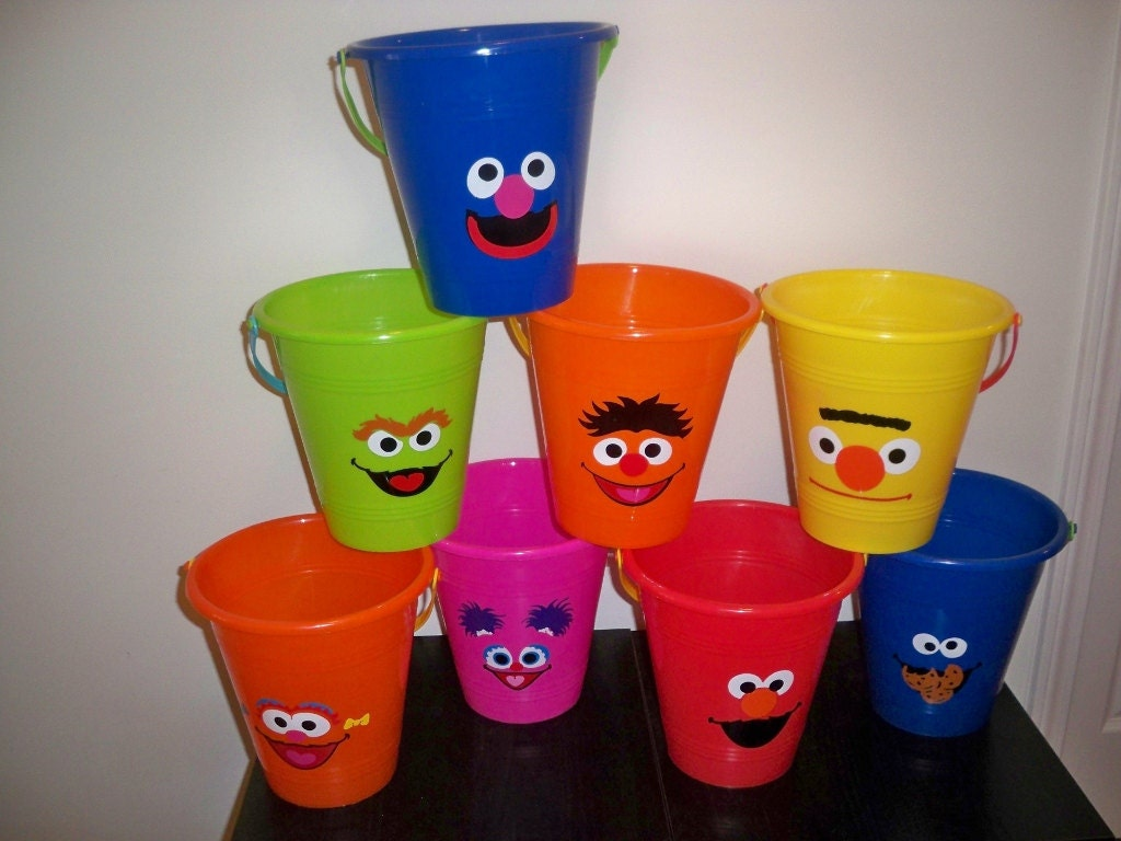 sesame street bday party giveaways