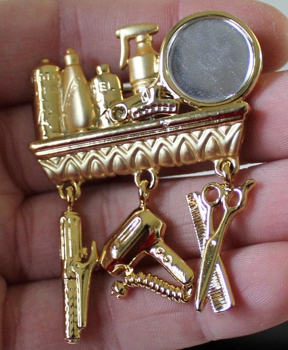 vintage marked danecraft gold plated hair dresser brooch  r19