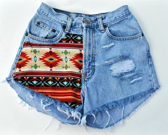 WILDHEARTS Vtg Denim Shorts High Waisted Aztec Tribal South Western Pattern Festival 1990s/1980s