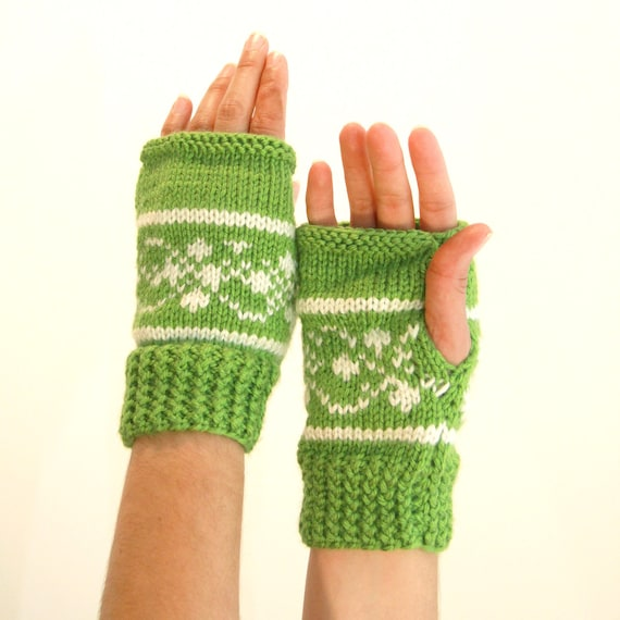 Wool Spring Green and Cream Hand Warmers with Ski Pattern