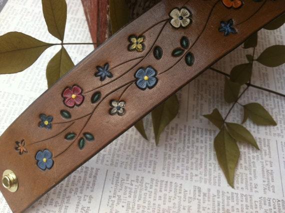 Hand Tooled Leather Flower Wristband Bracelet, hippie jewelry