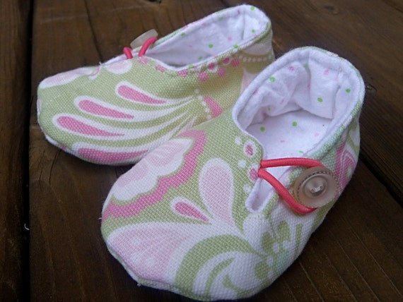 The Button Shoe - 3-6 month shoe in Green and Pink Paisley