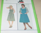 Simplicity Jiffy Plus Pullover Dress or Jumper Pattern 8573 Uncut Size 6 & 8