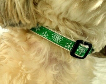 Snowflake Cat Collar, Dog Collar - Size Medium or Small, Green, Holiday, Christmas, Pet, Adjustable