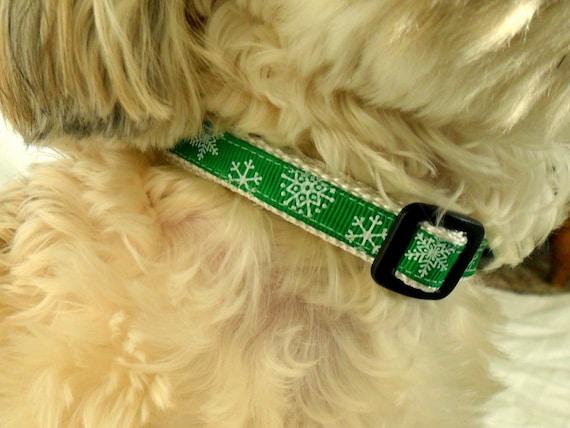 Snowflake Cat Collar, Dog Collar - Size Medium or Small, Green, Holiday, Christmas, Pet, Adjustable