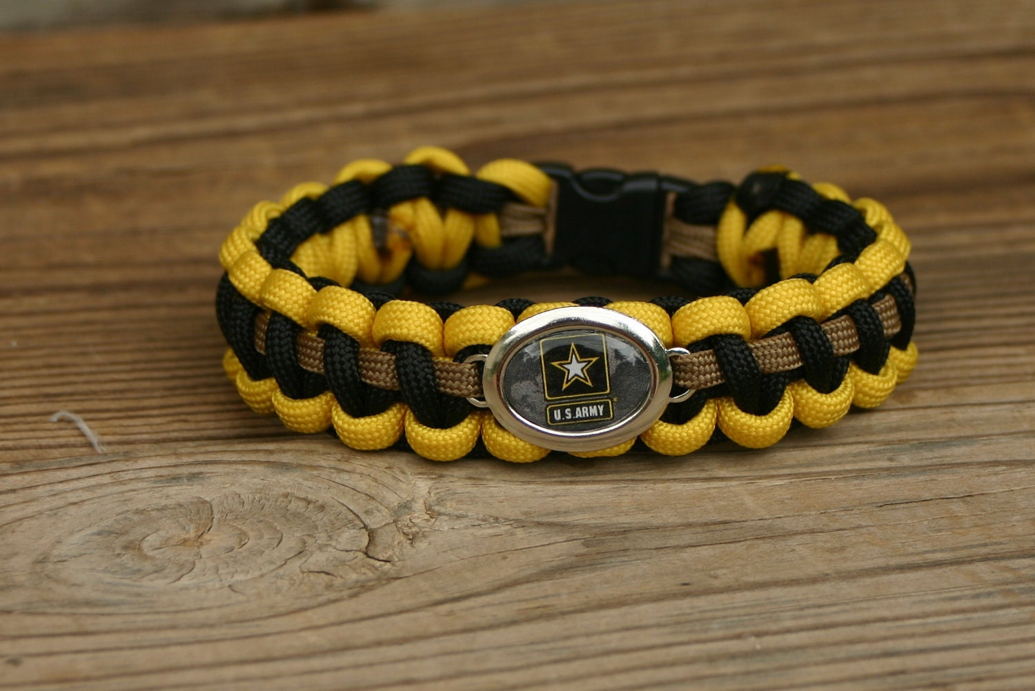 paracord survival bracelet with army charm