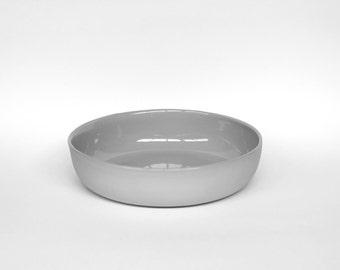 nesting bowl medium - porcelain (concrete colour)