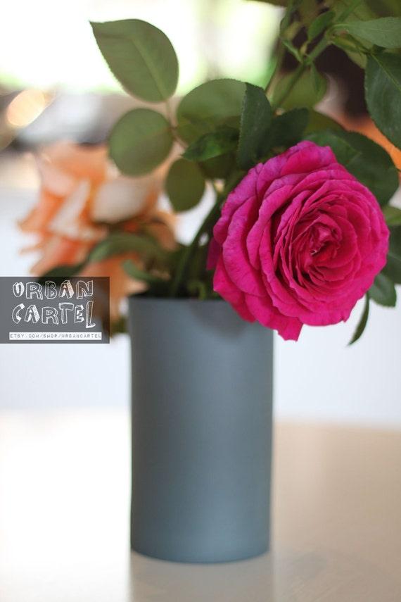 porcelain vase (slate colour)