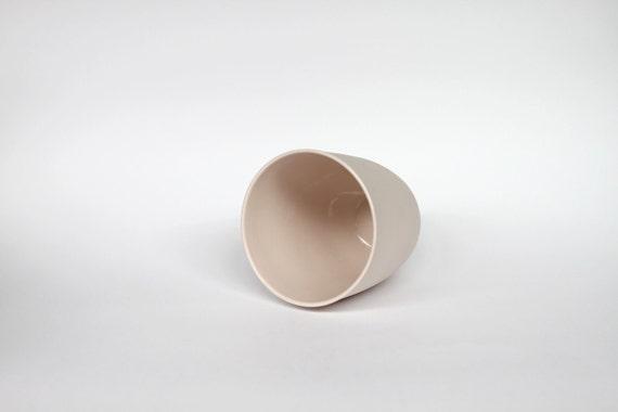 beaker - porcelain (cherub colour)