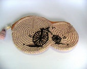 Crochet coin pouch - bicycle embroidery - zipper closure - 8 x13
