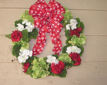 Dog Lovers or Cat Lover's Wreath