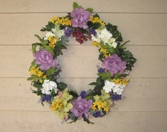 Old Fashioned Small Oval Lavender Rose Wreath