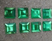 25 Green Square Rhinestones