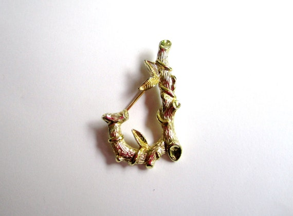 SARAH COVENTRY Initial J Brooch 1960s Vintage Jewelry