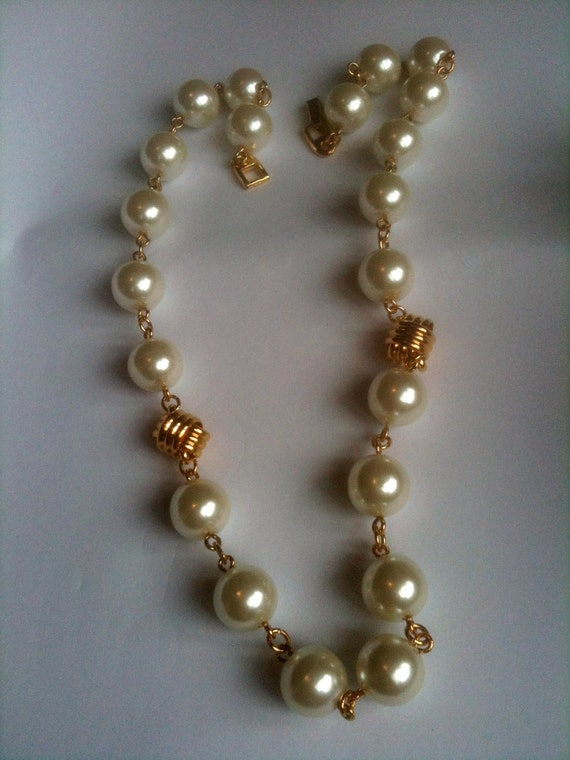 Napier Pearl Necklace Vintage Jewelry 1960s