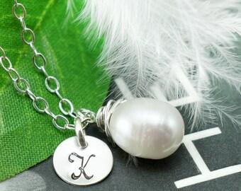 Set of 6 - Six bridesmaids necklaces, solitaire pearl necklaces, six letter charm necklaces, jewelry gift set, bridesmaids gifts