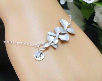 Personalized bracelet, Cursive letter bracelet, Silver initial bracelet, Sterling silver, Bridesmaid Gift, Maid of honor bracelet, Orchid