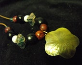 Shell Flower beaded necklace