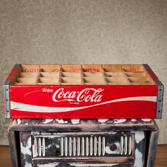 Beautiful Red Coca-Cola 24 Bottle Carrier