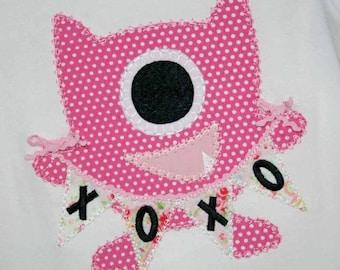 INSTANT DOWNLOAD Valentine Monster Machine Embroidery Applique Design