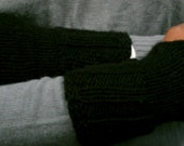 cuffed fingerless gloves