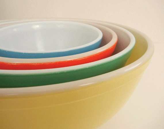 Vintage Pyrex Nesting Bowls / Primary Colors Set of Four Mixing Bowls