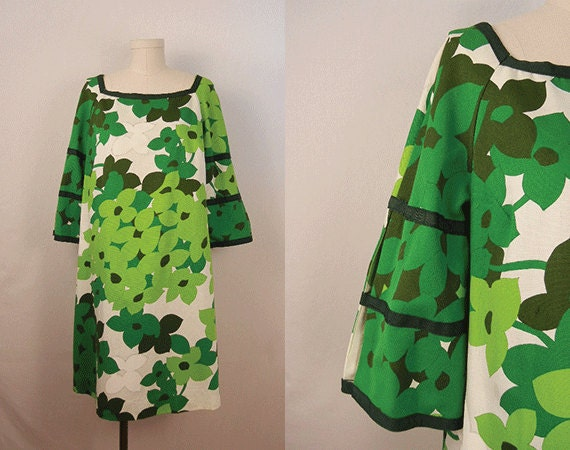 Vintage 1960s Hawaiian Dress / Kelly and Lime Green Mod Floral Tent Dress Large