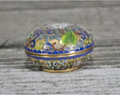 Small Vintage Chinese Cloisonne Round Pill Box