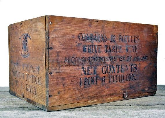 Vintage wine crate portugal new york for Where can i find old wine crates