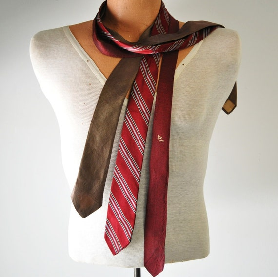 Saturday Night Sock Hop--1960s vintage skinny necktie....instant collection