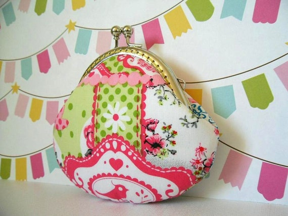 Shabby Chic Bird & Blooms in Green Coin Purse - Made from Dutch design fabric