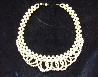 Vintage 1950s pearl necklace