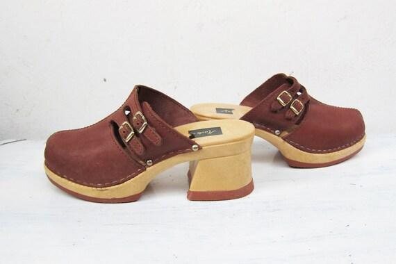 Vintage Brown Leather Club Kid Clogs