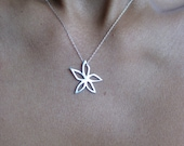 Starflower silver necklace/silver star necklace/ star shaped necklace/snowflake flower necklace