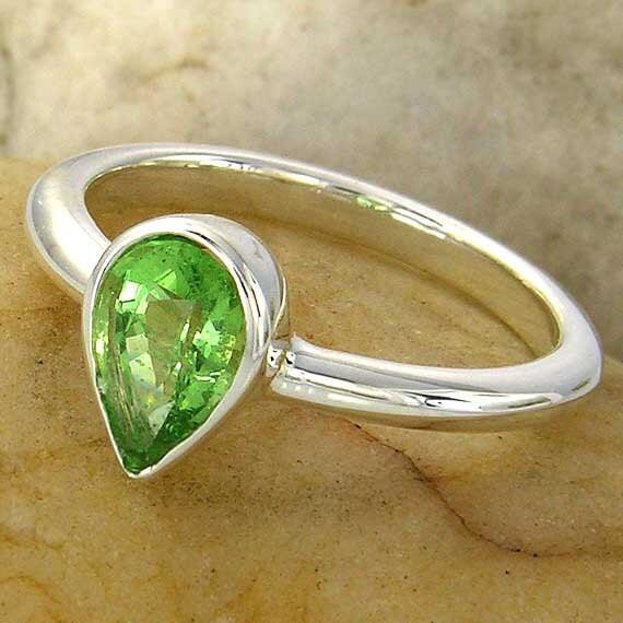 Tsavorite Green Garnet Sterling Silver Ring. January birthstone. Read to ship. 42B020