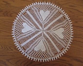 Round 15 inch white heart doily