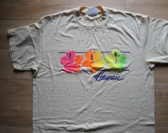 Vintage Hawaii Flowers Tshirt