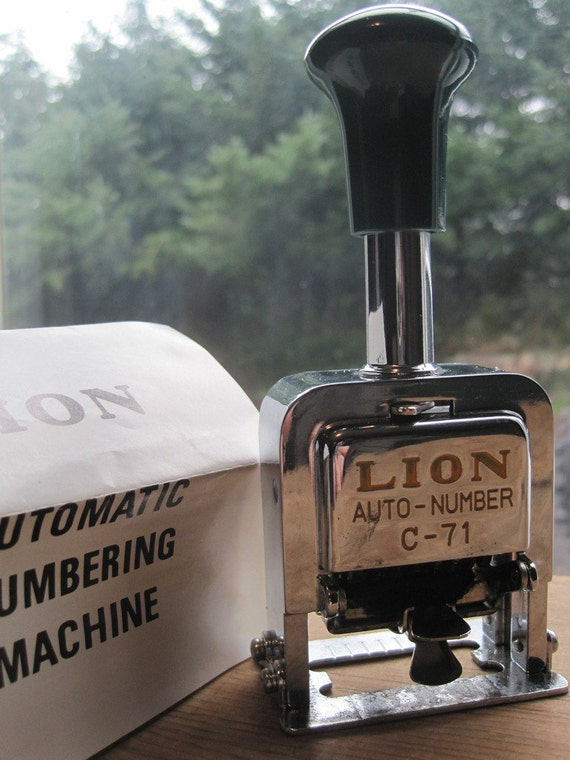 Vintage Lion Auto Numbering Machine C-71 Retro Office