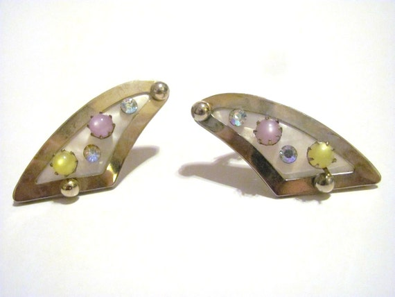 Vintage Retro Clip Earrings with pink and yellow faux pearls