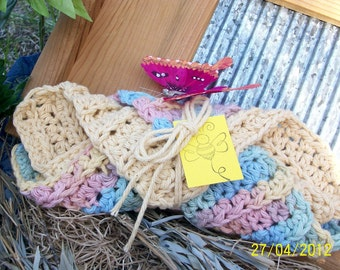 Set of 2 100% Cotton wash cloths, hand crochet. Great gift.