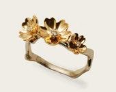 sakura 18 k gold ring