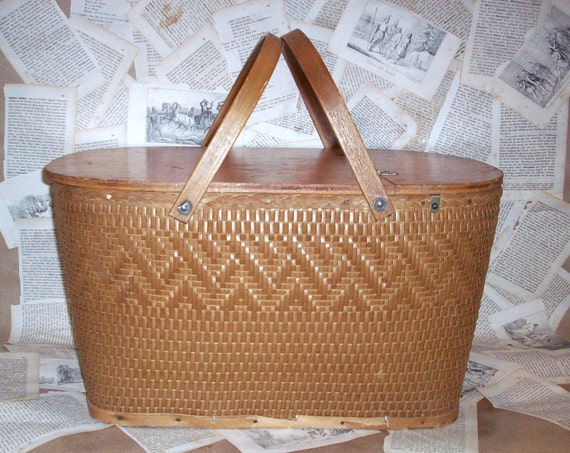 Vintage wooden picnic basket. Woven wood.  Lined