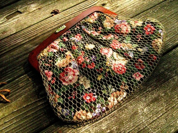 Vintage Clutch - Floral Patterned