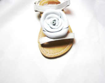 White Flower shoe clips, leather roseclips, girl ,woman shoe clips ,flower flip flop,   shoes accessories