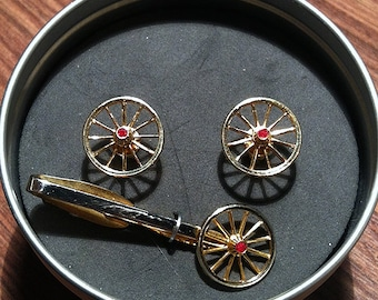 Stunning Original Vintage Hickok Articulated Wagon Wheel and Ruby Rhinestone Cuffink Set