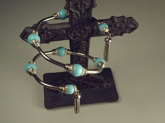 1960's adjustable bracelet, turguoise and gold colored beads