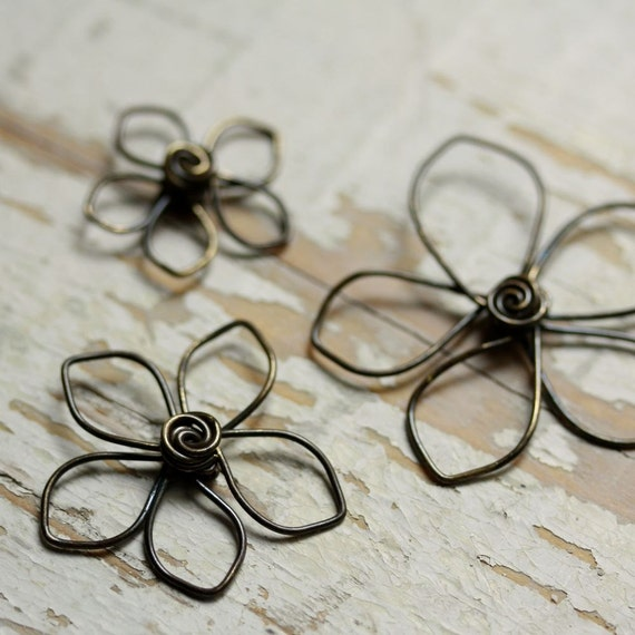 Items Similar To 3 Wire Flowers Solid Brass Pointed Petals