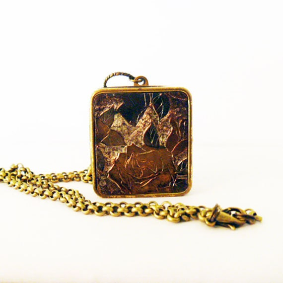 box pendant necklace by lomaprietavintage on etsy