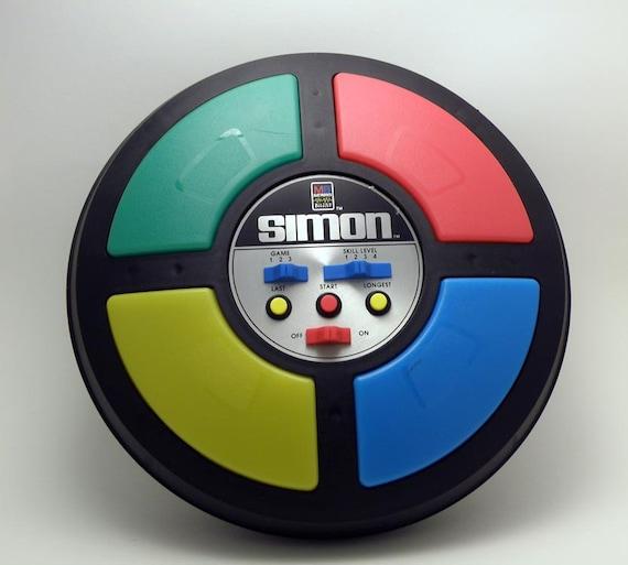 SHIPS FREE: Vintage 1980's Milton Bradley Electronic Simon Game