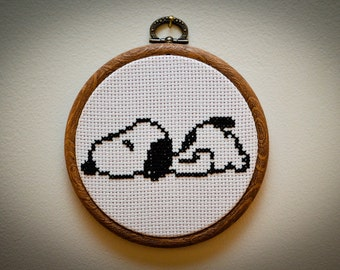 PATTERN: Snoopy Cross Stitch